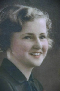 Catherine Hamlin at age 18.